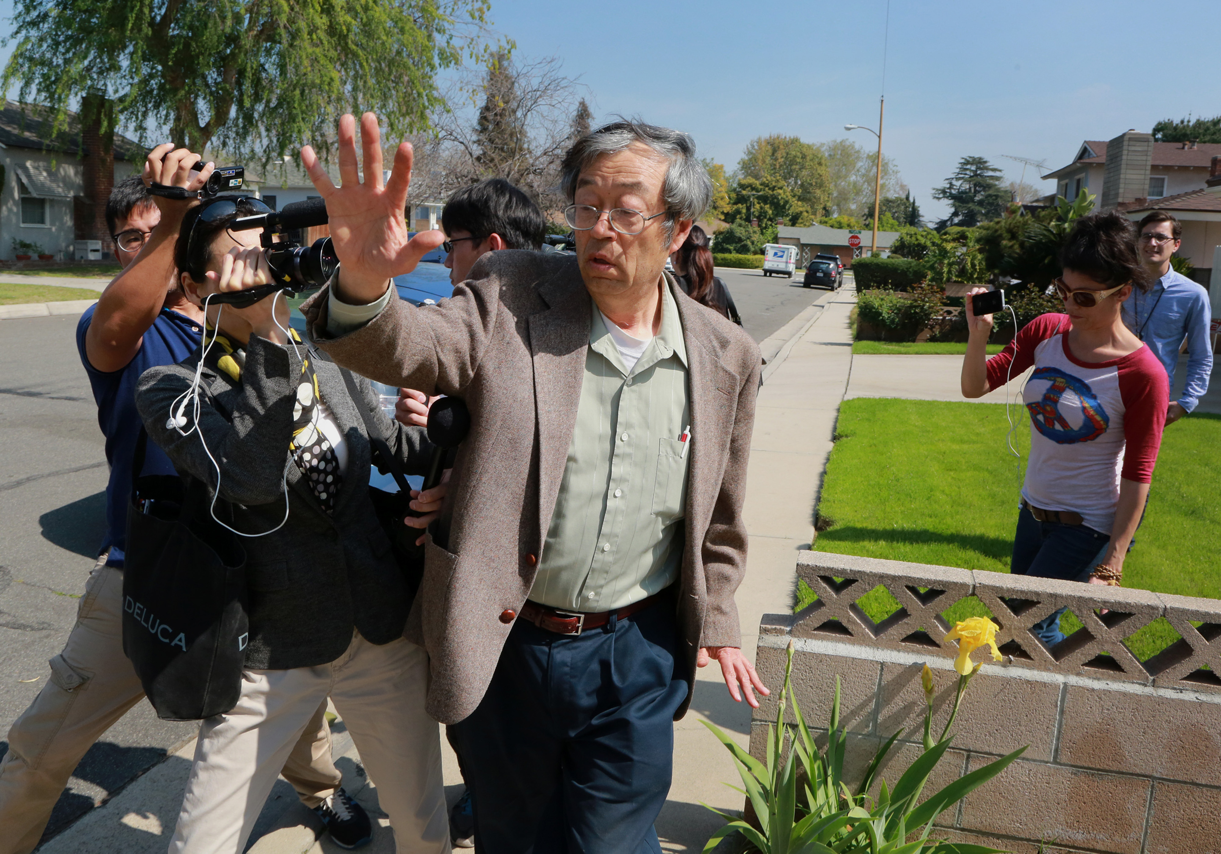 Nakamoto Named as Bitcoin Father Denies Involvement